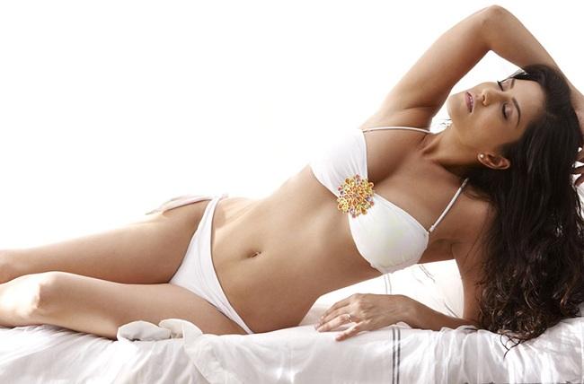 sunny-Erotic-Actress-White-Bikini-Feast